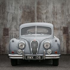 Old Vintage Cars, Old Cars, Antique Cars, Driving Home For Christmas, Christmas Home, Jaguar, Vehicles, Vroom Vroom, Planes