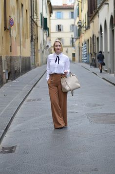 European style: fall outfit inspiration (wide leg pants & bow tie blouse)