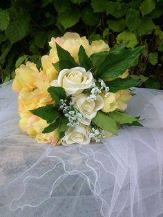 un jour pour l'éternité #décoration #Bouquets #Compositions #Fleurs #Roses #Mariage #Mode www.artifleurs-fleurs-artificielles.com