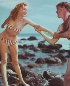 Dazzling Divas: Marilyn Monroe in Bikini Marilyn Monroe Fotos, Young Marilyn Monroe, Norma Jean Marilyn Monroe, Candid Photography, Documentary Photography, Pin Up, Stars D'hollywood, First Ladies, Norma Jeane