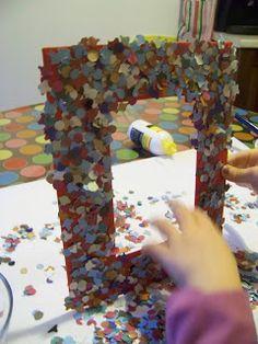 MammA GiochiaMo?: Lavoretti per Carnevale: cornice di cartone fai da te con coriandoli