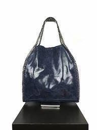 STELLA geiïnspireerde leren handtas, damestas blauw - chain. Een stijlvolle leren blauwe handtas met mooie kettingen als detail.