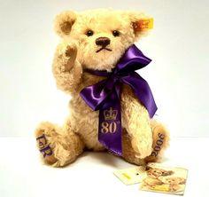 Steiff Teddy Bear 2006 Queen Elisabeth 80th birthday golden mohair VINTAGE RARE #Steiff #AllOccasion Steiff Teddy Bear, 80th Birthday, Vintage Toys, Bears, Queen, Animals, Animales, Animaux, Show Queen