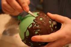chocolate bowls made w/ a balloon form and warm chocolate