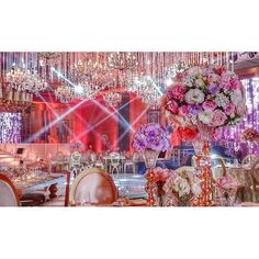 A waterfall of crystals & chandeliers. Stunning #wedding decoration by @essence_ciel_events #FSBeirut #fswedding #weddings