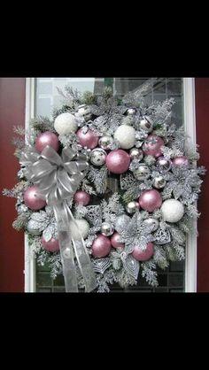 Diy Christmas Ball Wreath How to Make Ideas - Wreath Rose Gold Christmas Decorations, Christmas Mesh Wreaths, Christmas Balls, Xmas Decorations, Door Wreaths, Christmas Tree, Classy Christmas, Silver Christmas, Christmas Crafts