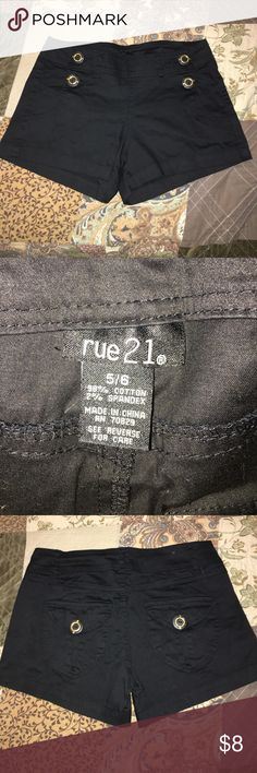 Women's shorts Like new, no fading, no stains. Bundle and save Rue 21 Shorts