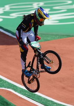 Mariana Pajon of Colombia competes during the Women's Semi Finals on day 14 of the Rio 2016 Olympic Games at the Olympic BMX Centre on August 2016 in Rio de Janeiro, Brazil. Retro Bicycle, Bicycle Girl, Vintage Bicycles, Cycling Girls, Cycling Art, Riding Mountain, Mountain Biking, Women's Cycling Jersey, Cycling Jerseys