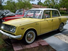 Im a muscle car fan but I got love for this classic too! Toyota Usa, Toyota Cars, Toyota Hilux, Toyota Vehicles, Retro Cars, Vintage Cars, Vintage Items, Automobile, Toyota Corona
