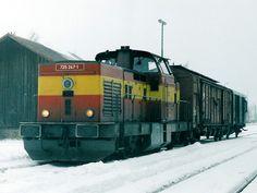 Diesel Locomotive, Bahn, Techno, Japanese, Trains, Parking Lot, Autos, Japanese Language, Techno Music