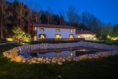 Wolkendorf Bio Hotel & Spa, in judetul Brasov Hotel Spa, Jacuzzi, Mansions, House Styles, Home Decor, Park, Farm Gate, Decoration Home, Manor Houses
