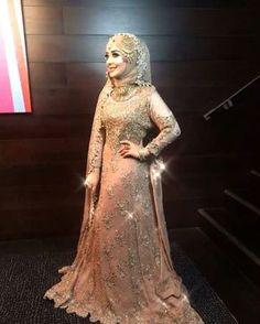 Bridal Hijab Styles, Asian Bridal Dresses, Asian Wedding Dress, Disney Wedding Dresses, Muslim Brides, Pakistani Wedding Dresses, Bridal Outfits, Hijabi Wedding, Walima Dress