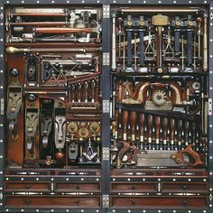 HISTORIC TOOLS & TREASURES - THE STUDLEY TOOL CHEST - CLASSIC EXPENSIVE TOOLS EVERY FINISH CARPENTER NEEDED.