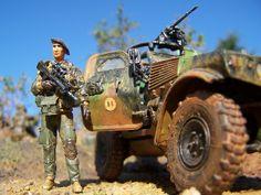 """Pour """"honorer"""" nos braves soldats au service du pouvoir politique (peut être aussi , je l'espère, pour des réels intérêts de la Nation Française) au péril de leur vie, qu'ils soient ici remerciées toutes et tous par ce modeste diorama d'un VBL Panhard!!!! Un..."""