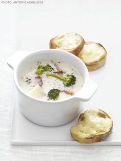 Broccoli Chowder with Cheddar Toasts from #FNMag