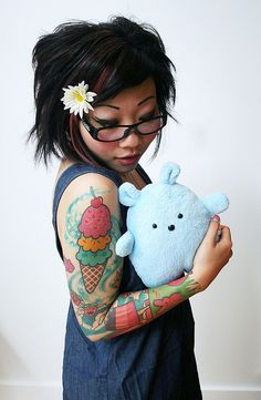Love the turquoise swirls in the tattoo...@Lucy Tran its like have a dessert buffet on your arm!