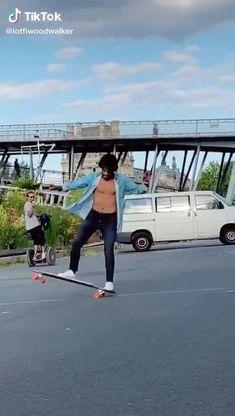 Longboard Cruising, Best Longboard, Skateboard Videos, Skateboard Girl, Longboarding Outfit, Skates, Long Skate, Skate Boy, Skate Ramp