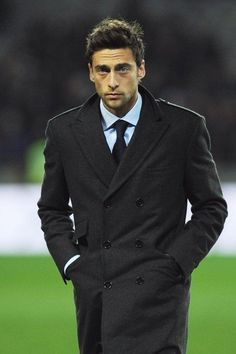 Photo of Claudio Marchisio for fans of juventus 32812531 Suit Fashion, Mens Fashion, Italy Soccer, Claudio Marchisio, Tuxedo For Men, Double Breasted Coat, Celebrity Hairstyles, Soccer Players, Sport Coat