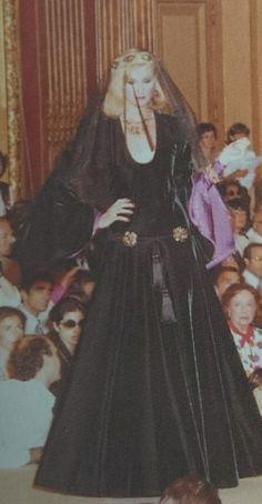 Juillet 1980. Haute couture hiver 1980/81. L Officiel 1000 modèles. YSL Ysl, Rive Gauche, Officiel, Magick, Bohemian Style, 1980s, Yves Saint Laurent, Tulle, Women's Fashion