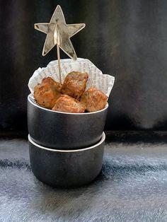 KOOLHYDRAATARME HAPJES VOOR KERST Maak jij een hapjesplank met kerst? Wij hebben heel veel lekkere koolhydraatarme tips voor jou gekookt. BLOG Cosy Christmas, Atkins, Tapas, Foodies, Curry, Muffin, Good Food, Keto, Lunch
