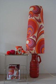 70s print: leuk maar alleen bij spaarzaam gebruik zoals hier. Retro. Home decor design