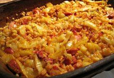 Ezúttal olcsó, laktató egytálételeket hoztunk, hogy a körettel se kelljen külön bajlódnotok - érdemes elmenteni, amelyik tetszik! Lecso Recipe, Slow Cooker Recipes, Cooking Recipes, Paleo, Hungarian Recipes, Macaroni And Cheese, Crockpot, Pork, Food And Drink