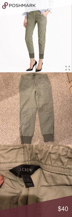 J crew cargo pants - size 2 EUC Worn once, now too small on me No stains or damages J. Crew Pants