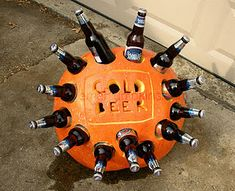 This is what you should do for the halloween party! The Beer Cooler Pumpkin.-) I'm so doing this for Halloween! Halloween Bebes, Adornos Halloween, Adult Halloween Party, Halloween Drinks, Holidays Halloween, Halloween Treats, Halloween Pumpkins, Happy Halloween, Halloween Decorations