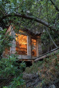 How a Ceramist Transformed a Los Angeles Treehouse - The New York Times Steep Backyard, Pepper Tree, Cool Tree Houses, Tiny Houses, Los Angeles Travel, Mount Washington, Top Travel Destinations, Los Angeles Homes, Ceramic Studio