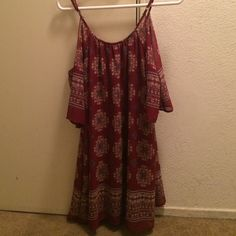 """Red summer dress Size medium, never worn! I'm 5""""4 & it goes probably 4 inches above my knees, it shows your shoulders and the sleeves hand on your arms. I got it from Kaitlyn's. Dresses"""