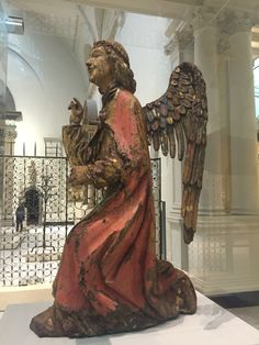 Angel of the annunciation, V&A, London