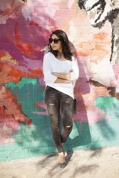 poshclassymom express tunic, express distressed jeans, steve madden varcityy heels, chloe drew bag, casual, chic streetstyle, white and grey
