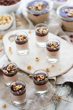 Fındık aromasının çikolatayla buluşmasından ortaya çıkan nefis bir tatlı! Ne kadar lezzetli olduğuna inanamayacaksınız ve hafifliğine ha...