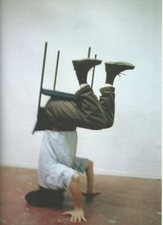 Erwin Wurm one minute sculpture
