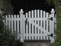 Picket Fence Gate Picket Fence Ga… - front yard landscaping ideas for full sun Picket Fence Gate, White Picket Fence, Tor Design, Fence Design, Front Yard Fence, Front Gates, Long Blooming Perennials, Flowers Perennials, Hardy Perennials