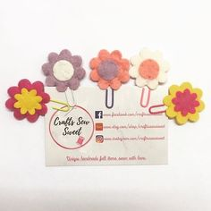 Get your own set of these cute flower Paperclips to keep all your papers tidy on your desk or in your planner this year! Handmade Felt, Handmade Items, Halloween Bats, Secret Santa Gifts, Life Organization, Paper Clip, Felt Flowers, You Got This, Sewing Crafts
