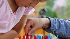 4 jocs cooperatius per aprendre a prendre decisions des de petits. http://www.youmekids.com/4-jocs-cooperatius-aprendre-prendre-decisions-desde-petits/
