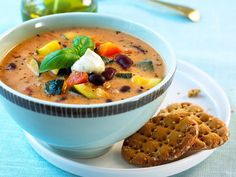 Middelhavssuppe med yoghurt Cheeseburger Chowder, Hummus, Pesto, Cantaloupe, Curry, Fruit, Ethnic Recipes, Desserts, Soups