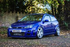 Oh how I'd love a Mk1 Ford Focus RS, see one pretty much every morning on the way to college same as this, the colour of it is perfect. Kind of think I'd want to put some white fifteen52 Tarmac Casts on it though...