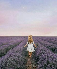 Lavender field with girl standing in the field Whimsical, Cinematic And Ethereal Self-Portraits By Rosie Hardy – Design You Trust Creative Photography, Portrait Photography, Lavender Aesthetic, Shotting Photo, Valensole, Model Foto, Lavender Fields, Lavander, Aesthetic Pictures