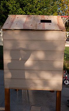 The REAL Housewives of Riverton: Build Your Own Chicken Coop - A story of chickens A Frame Chicken Coop, Chicken Coop Pallets, Backyard Chicken Coop Plans, Small Chicken Coops, Easy Chicken Coop, Chicken Feeders, Chicken Garden, Chicken Coop Designs, Chickens Backyard