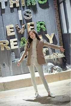 Jessica Grace, Jessica & Krystal, Krystal Jung, Snsd Fashion, Girl Fashion, Fashion Outfits, Korean Girl, Asian Girl, Jessica Jung Fashion