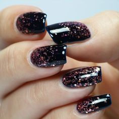 57 Elegant Black Nail Art Designs that You'll Love - Nails - Black Nails With Glitter, Glitter Nail Art, Pink Glitter, Blue Nail, Black And Purple Nails, Black Almond Nails, Nail Black, Dark Pink Nails, Pink Sparkles