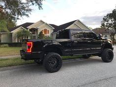 2017 Ford Super Duty equipped with a Fabtech Radius Arm System Ford Diesel, Diesel Trucks, Lifted Trucks, Ford Trucks, Radius Arm, Ford 4x4, Ford Super Duty, Boy Toys, Custom Trucks