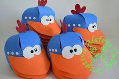 Crazy Hat Day, Crazy Hats, Foam Crafts, Paper Crafts, Diy Crafts, Emoji Craft, Carnival Decorations, Owl Templates, Applique Templates