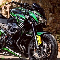Z 800, Kawasaki Motorcycles, Cool Bikes, Dan, Passion, Stickers, Yellow, Vehicles, Green