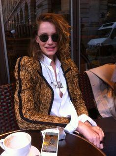 Mili Schmoll in Paris Anais Nin, Coffee Time, Celebs, Blazer, Models, Collection, Fashion, Calla Lilies, Santas Workshop