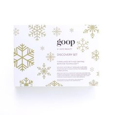 Give (or get for yourself) goop by Juice Beauty's award-winning organic skincare in new, holiday gift-perfect packaging ❄️ . Set includes travel-sized versions