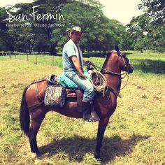 Siempre listos para la aventura... ¡Así son nuestros clientes!  #Caballistas #Colombia #Aventura #SillasSanFermin #Colombia