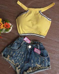 Look disponível na Loja Short Destroyed✨TAM.34✨$59,99 Croped Canelado C/bj✨Cor.Amarelo e Preto (Esgotado)